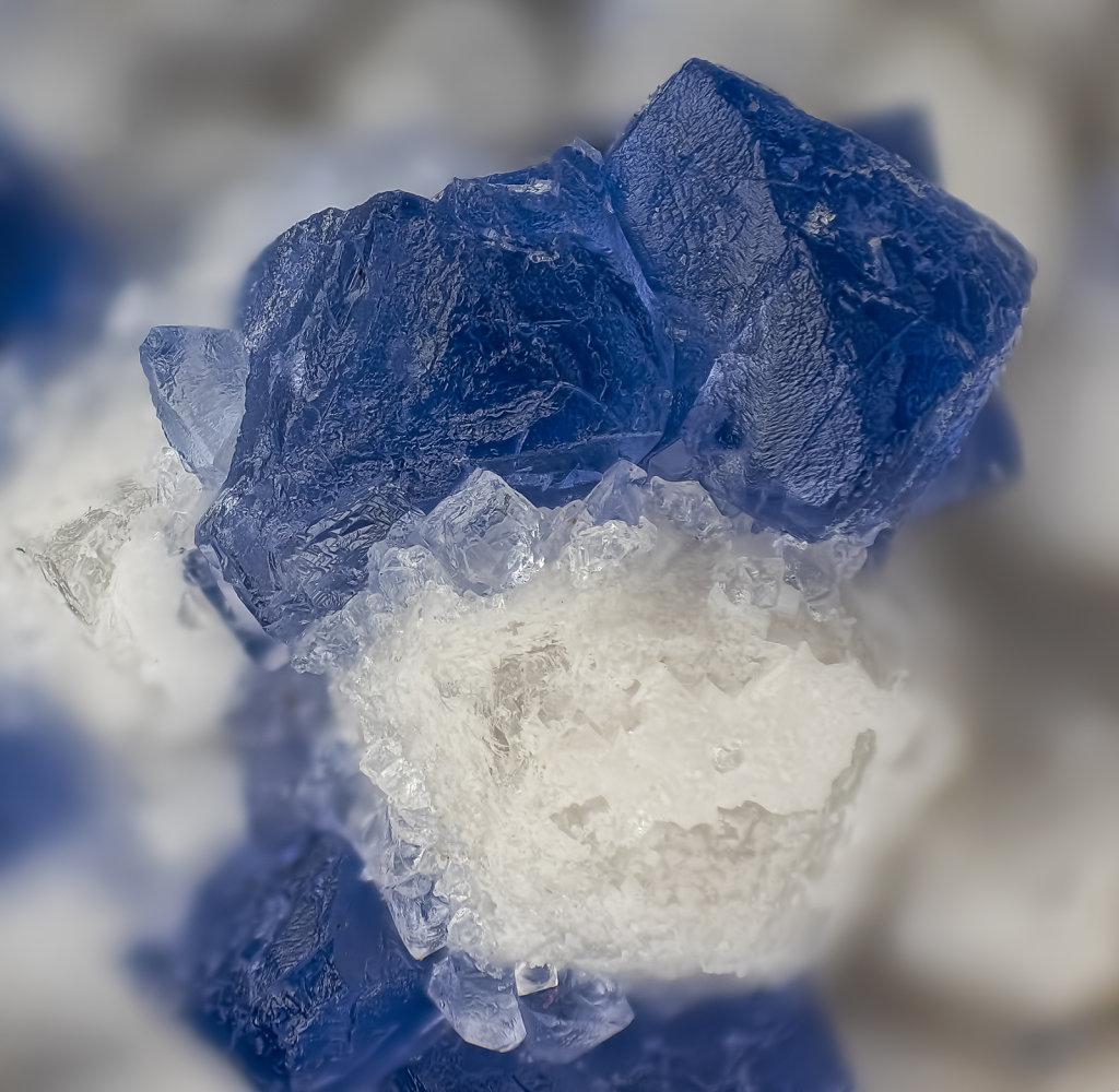 07-fluorit-mongolei-blau-lomo-35-5mm-35zu1-38B-3led.jpg
