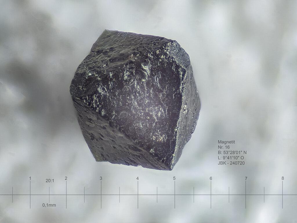 16c-magnetit-195B-20zu1-3flash.jpg